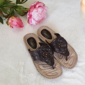 Cliffs by White Mountain Brown Leather Sandals 8M